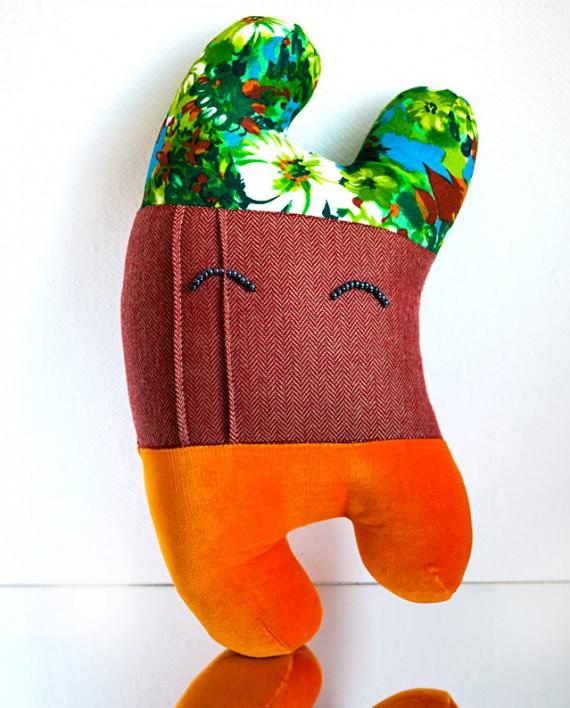 Happy Sleepy Lyon textile art toy