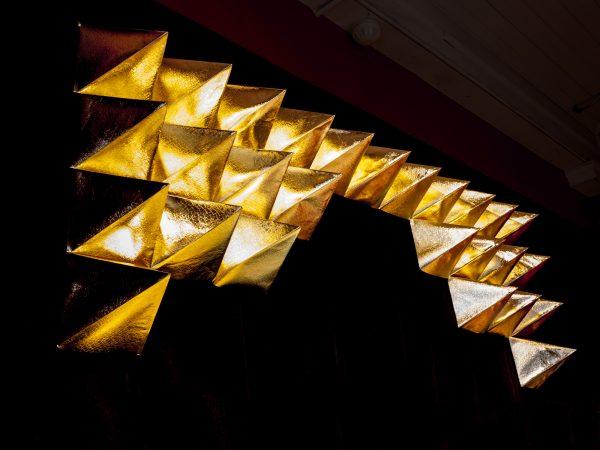 Polytopia gold staple textiile art gold wallpaper pyramids